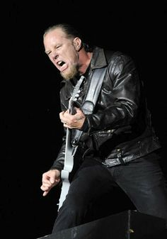 Great metal band but linkin park are better Music Film, Music Icon, My Music, Heavy Metal Music, Heavy Metal Bands, Pink Floyd, James Metallica, James Hetfield Guitar, Legend Music