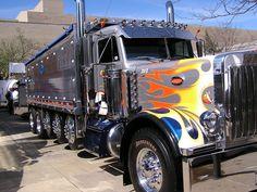 Big Rig Trucks | Mid-America Truck Show (Dump Truck)