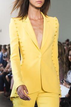 Pamella Roland at New York Fashion Week Spring 2019 - Details Runway Photos Blazer Outfits, Blazer Fashion, Suit Fashion, Look Fashion, Fashion Dresses, Womens Fashion, Fashion Boots, Couture Fashion, Runway Fashion