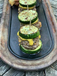 Zucchini Beef Sliders - My Bizzy Kitchen Weight Watchers Zucchini, Courgettes Weight Watchers, Mini Sliders, Beef Sliders, Beef Recipes, Cooking Recipes, Healthy Recipes, Healthy Foods, Healthy Chef