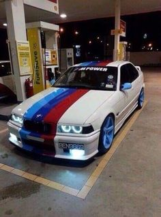 BMW E36 M3 white ///M stripe