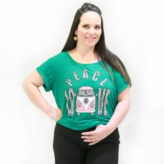 Camiseta Kombi Plus Size    CamisetaPlus Sizeem malha viscolycra na cor verde com silk combi paz e amor na frente com mangas curta e decote redondo.      #camisetaplussize #plussize #modaplussize #modaplussizebrasil #mulherplussize #mulheresplussize #tamanhogrande #vickttoriavick#modaplussizebr #plussizebrasil #plussizefashion #modagg #moda #fashion #feitonobrasil #plussizes #plussizebr #gordinhasdobrasil #modafemininaplussize #somosplussize #fatshion #lojaplussize #lojafeminina…