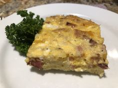Slow Cooker Egg Casserole - Crockpots and Flip Flops Crockpot Dishes, Crock Pot Cooking, Crockpot Recipes, Cooking Recipes, Easy Egg Casserole, Breakfast Egg Casserole, Breakfast Recipes, Breakfast Ideas, Egg Dish