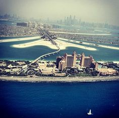 Cant get over the fantasy beauty of #Dubai? Us either. Photo courtesy of naelantaki on Instagram #dubai #uae
