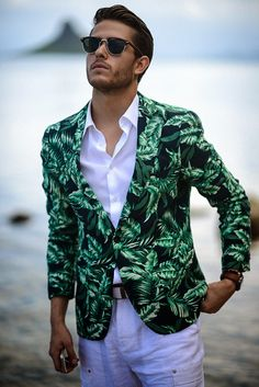 We love the tropical look Adam Gallagher created on his blog I Am Galla with the Scotch & Soda fern blazer.