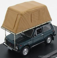 IST-MODELS IST296MR Echelle 1/43 LADA NIVA WITH ROOF TENT 1981 GREEN