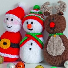 Knitting+Pattern+Of+The+Week:+Santa,+Snowman+and+Reindeer+Toys Tricô + Padrão + Of + The + Week: + Papai Noel, + Boneco de neve + e + Rena + Brinquedos Baby Knitting Patterns, Loom Knitting, Free Knitting, Free Christmas Knitting Patterns, Knitted Doll Patterns, Knitting Toys, Christmas Toys, Knit Christmas Ornaments, Father Christmas