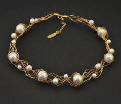 Colier handmade, placat cu aur de 24k, cu perle Swarovski