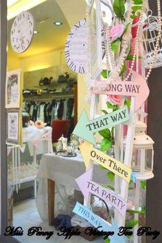 ♡Miss Penny Apple Vintage Tea Party♡ Alice in Wonderland Tea Party Tema scelto dalla Boutique Buonaguidi di Pescia.