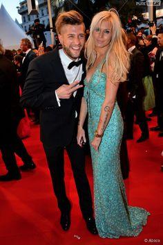 Adixia (Les Marseillais) VS Martika (Le Bachelor) : battle de décolletés sur le tapis rouge à Cannes Beaux Couples, Prom Dresses, Formal Dresses, Stars, Tv, Rose, Sexy, People, Instagram