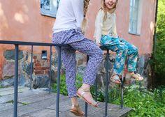 novamelina  mekkotehdas.blogspot.fi  #Liberty #of #London #Glenjade Parachute Pants, Liberty, Harem Pants, London, Fashion, Moda, Political Freedom, Harem Trousers, Fashion Styles