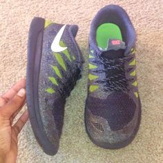 Nike Athletic Sneakers ❤️ Good condition ❤️ Comes from a smoke-free home ❤️ No trades or holds ❤️ Please send price offers through Poshmark's negotiation system. ❤️Thanks! Nike Shoes Athletic Shoes