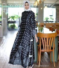 Ideas For Fashion 2019 Casual Muslim Abaya Fashion, Muslim Fashion, Modest Fashion, Batik Fashion, Women's Fashion, Fasion, Trendy Fashion, Modest Dresses, Modest Outfits