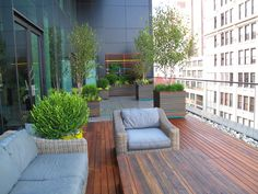 UNION SQUARE WEST - DECK TRELLIS  PLANTERS