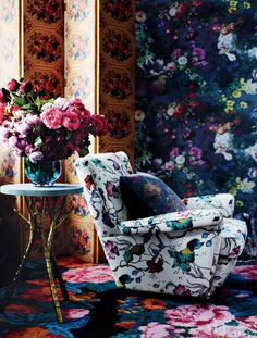 Layered botanical motifs blossom in Inspire, a brand new feature of the new look Vogue Living. From 'Spring Wonderland', a story on page 50 of Vogue Living September/October Photograph by Lisa Cohen. Vogue Living, Interior Inspiration, Design Inspiration, Interior Ideas, Room Inspiration, Design Ideas, Living Spaces, Living Room, Dream Decor
