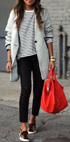 Casual look 2015 - grey coat, striped marine turtle-neck, leopard shoes and red bag will make you feel comfortable and confident. love the grey stripes and jackect and oh the gold and pop of colour handbag and stylish sunglasses Fashion Mode, Denim Fashion, Look Fashion, Street Fashion, Womens Fashion, Fashion Styles, Fashion Outfits, Sneakers Fashion, Fashion News