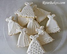 Wedding Dress Cookies + Roll-Out Sugar Cookie Recipe Roll Out Sugar Cookies, Tea Cookies, Fancy Cookies, Cut Out Cookies, Royal Icing Cookies, Sugar Cookies Recipe, Cookie Recipes, Icing Recipes, Royal Frosting