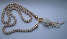 háčkovaný náhrdelník, šitá kulička