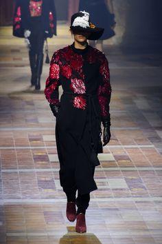 Lanvin at Paris Fashion Week Fall 2015 | Stylebistro.com