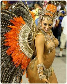 голые на карнавале фотографии