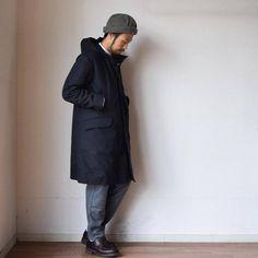 以前にチラッとご紹介しましたスティルバイハンドのフードコート。 その後なかなか撮影に取りかかれなかったのですが、ようやく本日ブラックの撮影を完了しました。 ベージュもご用意しています。 詳細はまた後ほど。 #stillbyhand #スティルバイハンド #冬コート #comoda_akashi #明石 #神戸 #姫路 #加古川 #兵庫 #大阪 #メンズファッション #メンズスタイル #メンズコーデ #mensfashion #mensstyle #ootd