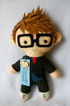 I want to make softies/ornaments of my kids as gifts for the grandmas... not Dr Who.  Love the hair here, though.