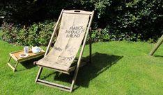 DIY : un transat en teck récup avec un sac en toile de jute pour décorer le jardin