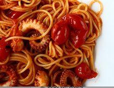 spaghetti al sugo di polpo di www.iopreparo.com sono un piatto di mare saporito e gustoso, tipico della cucina pugliese e dell'Isola d'Elba.