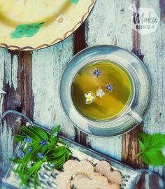horsmatee-hurmaa-villiinny-villiyrteista - lisää teehen syötäviä kukkia, ruusua ja mansikkaa Herbs, Drink, Ethnic Recipes, Food, Beverage, Essen, Herb, Meals, Yemek