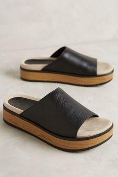 these look so comfortable. so so comfortable Naya Ursa Slides Black #AnthroFave