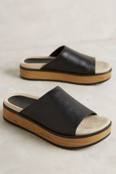 these look so comfortable. so so comfortable Naya Ursa Slides Black #AnthroFave