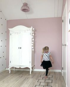 Home Furniture Tips Baby Room Furniture, Baby Room Decor, Nursery Room, Home Furniture, Antique Furniture, Home Bedroom, Girls Bedroom, Bedroom Decor, Toddler Rooms