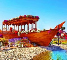 The Abra Boats were first introduced during the 5th Season of the dubai Miracle Garden in 2015. They are still part of the Dubai Miracle Garden. Different Flowers, Large Flowers, Colorful Flowers, Million Flowers, Petunia Flower, Purple Petunias, Miracle Garden, Floral Theme, Boat Building
