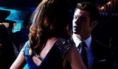 The Originals – TV Série - Elijah Mikaelson - Daniel Gillies - Hayley Marshall - Phoebe Tonkin - rainha - queen - lobo - Wolf - casal - couple - grávida - amor - love - embarazada - pregnant - 1x17 - Moon Over Bourbon Street - Lua Sobre A Rua Bourbon
