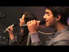 Demi Lovato + Joe Jonas - Wouldn't Change A Thing -  Walmart Soundcheck 2010