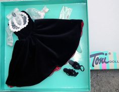 Effanbee 13 in. Sophisticated Fashion Toni Doll Outfit Only, Tonner 2007 is offered in an Ebay Buy-It-Now listing. This fits the Tonner Effanbee 13 inch Fashion Toni and the vintage 13 inch Sweet Sue Sophisticate dolls.