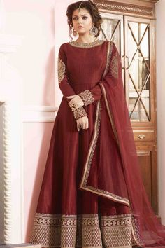 Buy latest Anarkali Dress from our different range of salwar suits online. ltfab offers best discounts and deals on shopping for indian anarkali dress. Silk Anarkali Suits, Anarkali Dress, Pakistani Dresses, Indian Dresses, Lehenga Choli, Indian Outfits, Long Anarkali, Salwar Suits, Net Lehenga