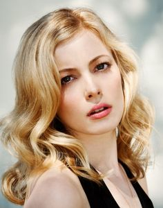 Hot Sale Fascinating Sexy Long Wavy Celebrity Hairstyle Full Lace Wig Human Hair about 20 Inches Cheap Human Hair Wigs, Remy Human Hair, Celebrity Hairstyles, Wig Hairstyles, Celebrity Wigs, Vintage Hairstyles, Gillian Jacob, Wigs Online, Gorgeous Blonde