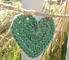 Items similar to Heart Bunting - Crochet Garland - Pretty Pastel Colors on Etsy Crochet Bunting, Crochet Garland, Love Crochet, Diy Crochet, Bunting Banner, Buntings, All Craft, Crochet Basics, Pretty Pastel