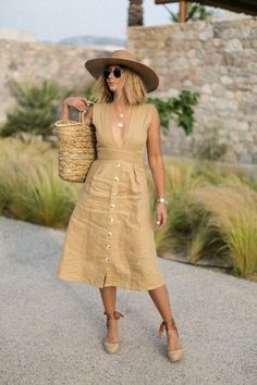Espadrilles Outfit, Wedges Outfit, Chic Summer Outfits, Cool Outfits, Fashion Outfits, Outfit Summer, Dress Summer, Fashion News, Spring Look