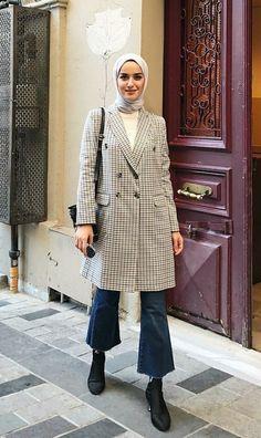 Eyeshadow looks, eyeshadow tutorial Modern Hijab Fashion, Street Hijab Fashion, Hijab Fashion Inspiration, Muslim Fashion, Modest Fashion, Korean Fashion, Fashion Outfits, Fashion Styles, Casual Hijab Outfit