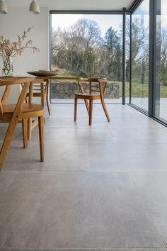 porcelain flooring Get These Top Trending porcelain tile flooring for basement to inspire you Grey Floor Tiles, Wood Tile Floors, Grey Flooring, Flooring Ideas, Wood Effect Floor Tiles, Modern Floor Tiles, Modern Flooring, Large Floor Tiles, Concrete Kitchen Floor