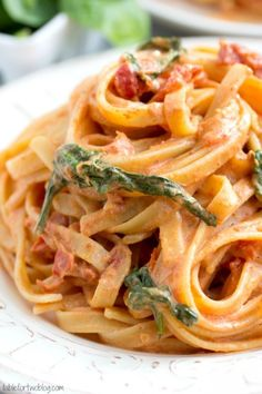 Cheesecake Factory Copycat: Sundried Tomato Fettuccine {Lightened Up}