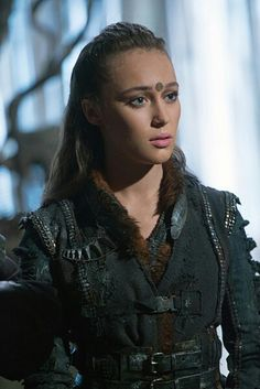 alycia debnam-carey as Lexa on the 100