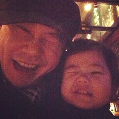 Yang Hyun Suk and his daughter look like winking angels in a father-daughter snapshot Yang Hyun Suk, All About Kpop, Folk Music, Popular Music, Father Daughter, Yg Entertainment, Bigbang, Entertaining, Songs
