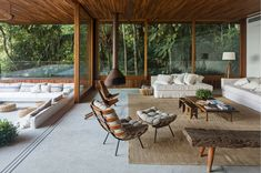 Image 4 of 21 from gallery of RLW House / Jacobsen Arquitetura. Photograph by Leonardo Finotti Interior Architecture, Interior And Exterior, Interior Design, Chinese Architecture, Futuristic Architecture, Interior Decorating, Design Case, Style At Home, Home Fashion