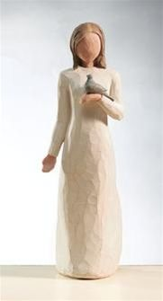 Willow Tree 26111 Figurine Peace A blessing of Peace Cream Lady With Blue Bird Willow Tree Statues, Willow Figurines, Willow Tree Figures, Willow Tree Angels, Pottery Sculpture, Tree Sculpture, Human Sculpture, Willow Tree Family, Tree People
