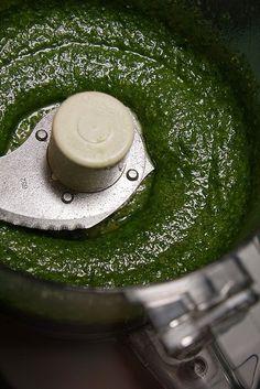 Recipe | 7-Minute Basil Pesto {with Lemon}