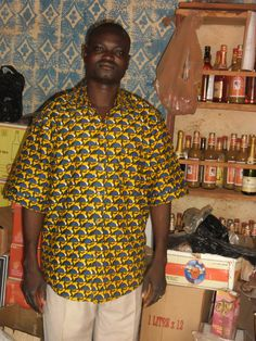 Vincent dans sa Boutique à Nouna, Burkina 2013