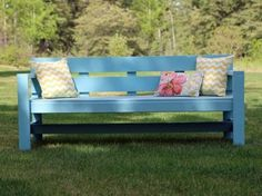 Pretty and modern outdoor bench, very easy to make! Pretty and modern outdoor bench, very ea Diy Outdoor Furniture, Furniture Plans, Diy Furniture, Outdoor Decor, Concrete Furniture, Furniture Dolly, Furniture Storage, Wicker Furniture, Furniture Online